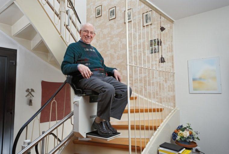 Scale Mobili e anziani