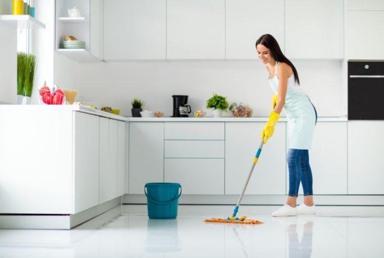 Lavare pavimenti
